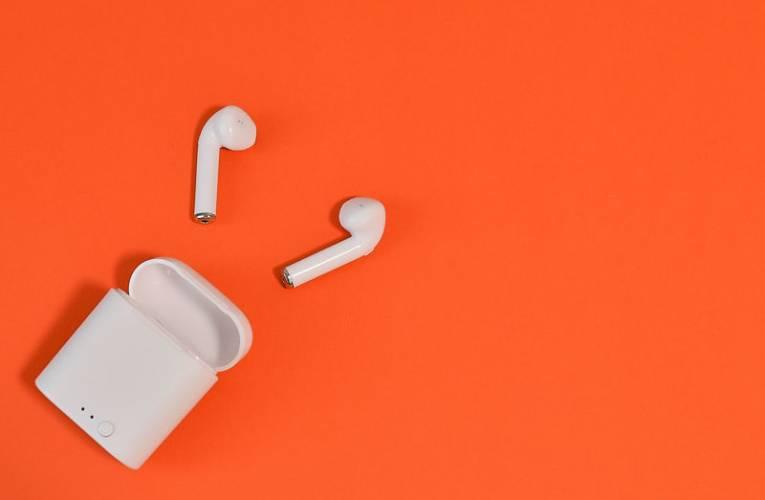 Jakie słuchawki dokanałowe kupić?