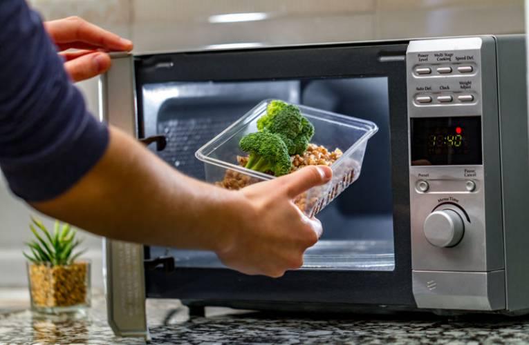 Jaką kuchenkę mikrofalową kupić?
